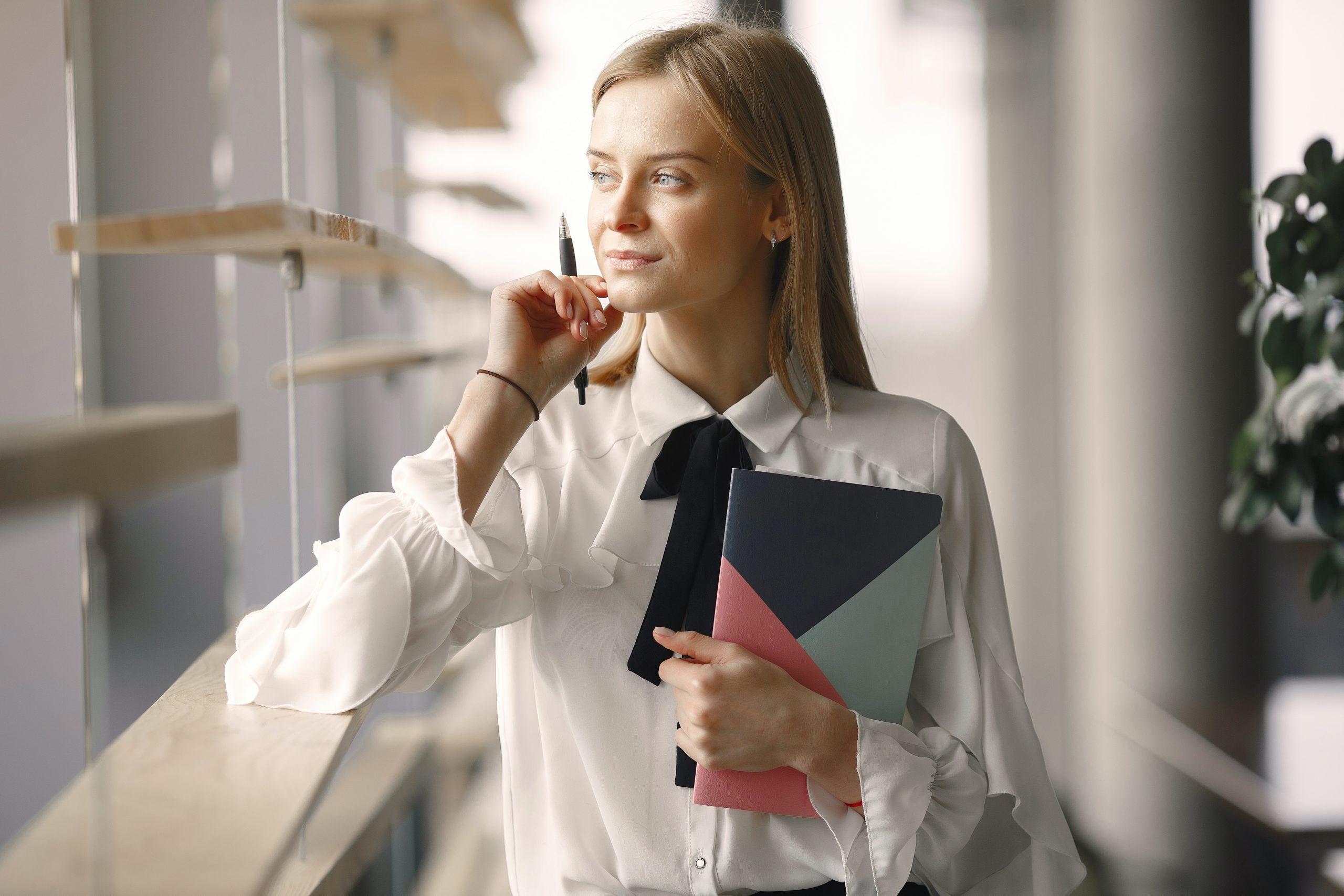 Auge-legal-fiscal-funcions-secretaria-direccio